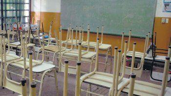 un padre denuncio penalmente al gobernador por la falta de clases