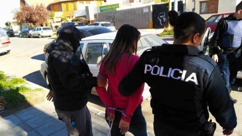 Las jóvenes intercambiaban fotos con las víctimas y luego aparecía alguien que se decía el padre amenazando con una denuncia si no le daban dinero.