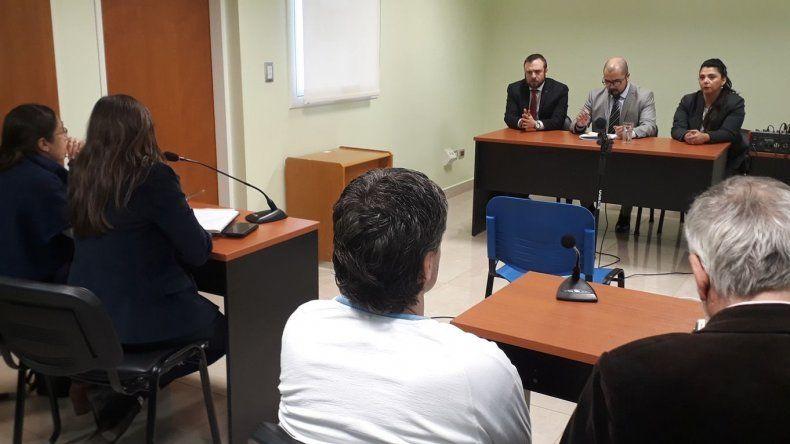 La fiscalía y la defensa expusieron ayer sus planteos durante el juicio de cesura y mañana el tribunal dará a conocer su resolución.