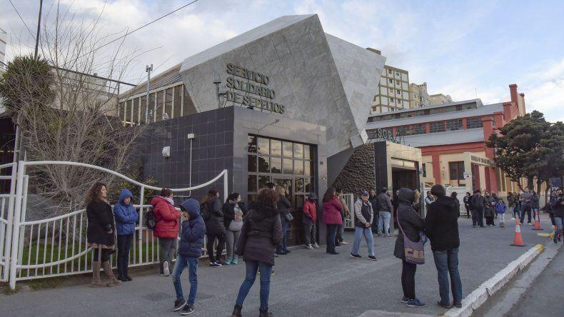 Sobre las 18 de ayer arribaron a Comodoro Rivadavia los cuerpos de las docentes fallecidas