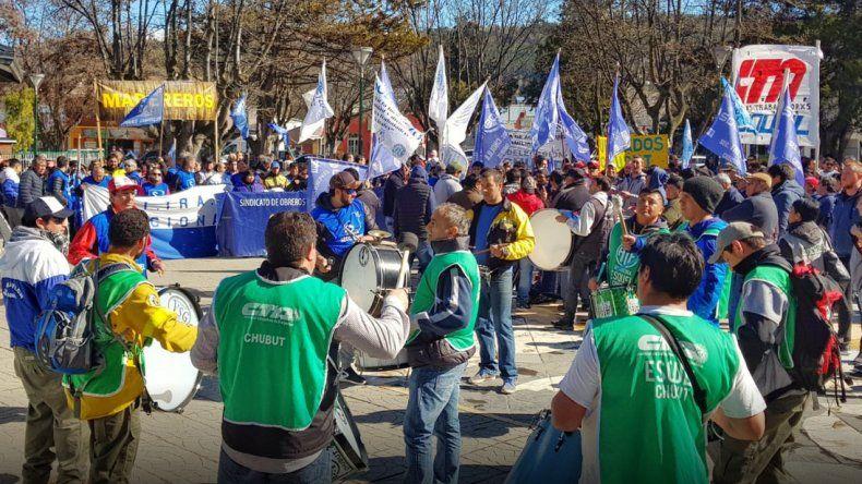 La CGT Cordillera exige a la Legislatura que sometan a juicio a Arcioni