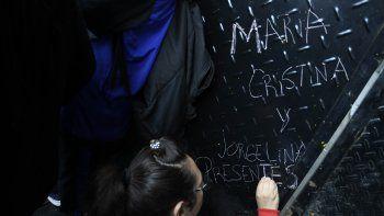 Se movilizaron en el Obelisco por la muerte de las dos docentes