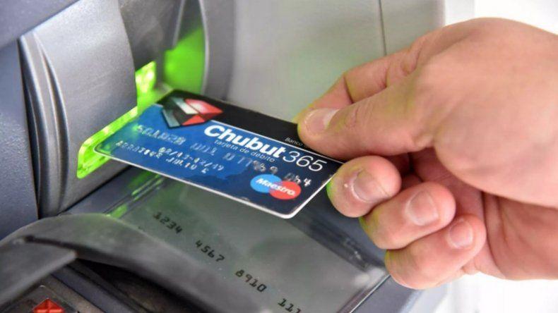 El pago escalonado de haberes a los empleados estatales en Chubut continuará al menos hasta noviembre.