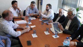 Las reuniones entre representantes del gobierno santacruceño, de gremios petroleros y de operadoras de yacimientos se iniciaron el miércoles y continuaron ayer en Buenos Aires.