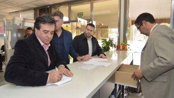 Andrés Meiszner al presentar ayer ante la Justicia una ampliación de su denuncia.