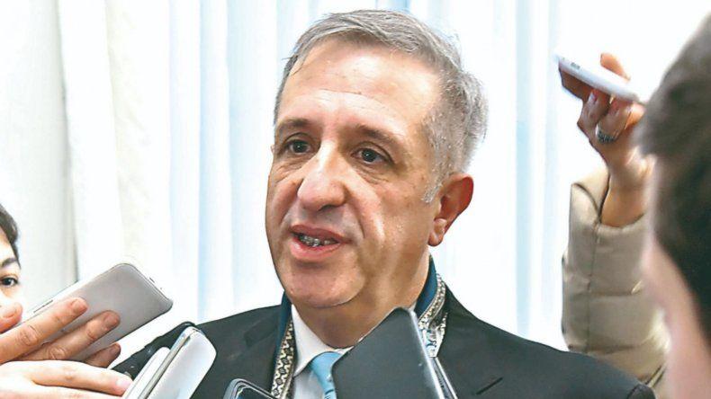 Chubut debe juntar $1.600 millones para terminar de pagar agosto
