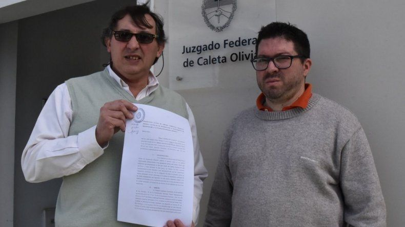 El dirigente social y político Omar Latini presentó la acción de amparo ambiental contra empresas petroleras