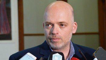 Ministro Pizzi: está en riesgo el abastecimiento de los medicamentos y consumos críticos en todos los sistemas de salud provinciales.