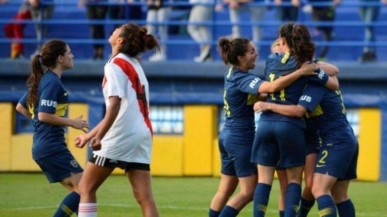 Boca y River juegan el Superclásico femenino en La Bombonera