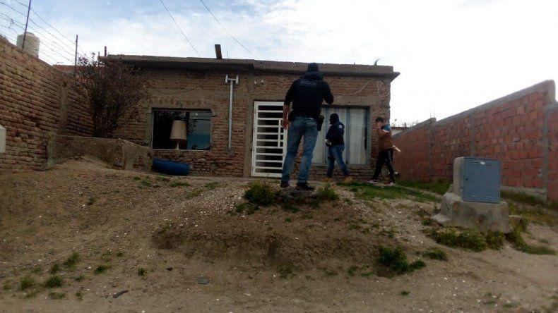 La Brigada de Investigaciones allanó la vivienda de un empleado municipal de la Secretaría de Tierras