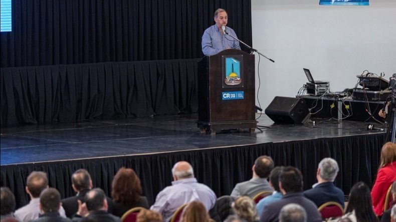 El intendente Carlos Linares encabezó la presentación del mapa interactivo georeferencial.