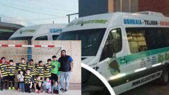 Denuncian que una combi abandonó a 14 chicos de Ushuaia en Comodoro