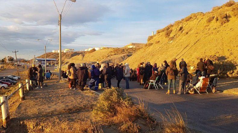 En medio de cruces, la playa  de tanques sigue bloqueada por tiempo indeterminado