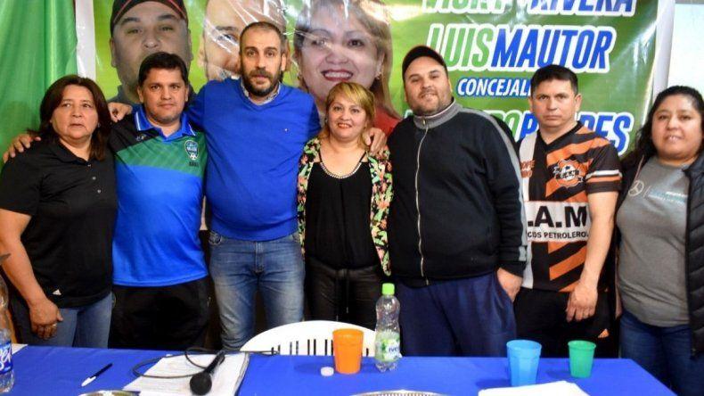 El intendente Facundo Prades asistió al lanzamiento de otra fórmula de concejales de su entorno político que se identifica con el sublema Soñando por Caleta.