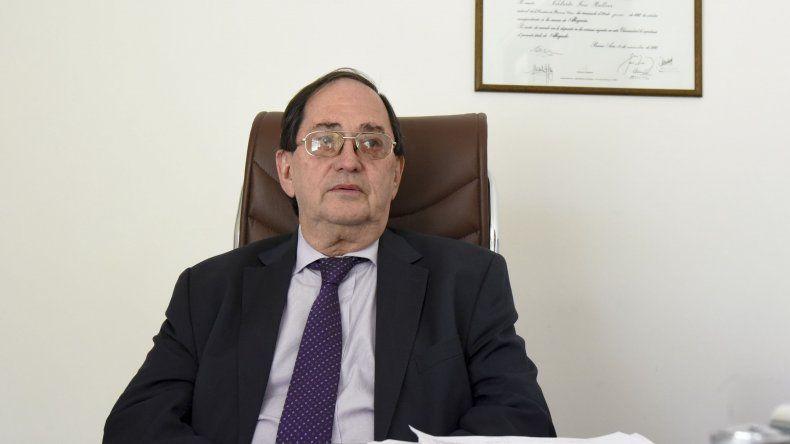 El fiscal Norberto Bellver fue quien recepcionó la denuncia de los padres de la Escuela 1. Ahora debe establecer si existe delito.