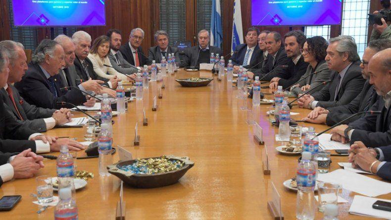 Alberto Fernández se reunió con la UIA