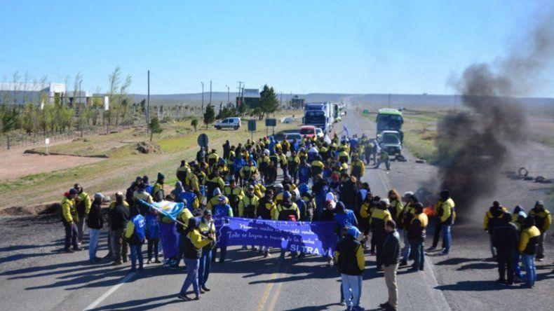 Trabajadores Viales cortan las rutas de acceso a Rawson