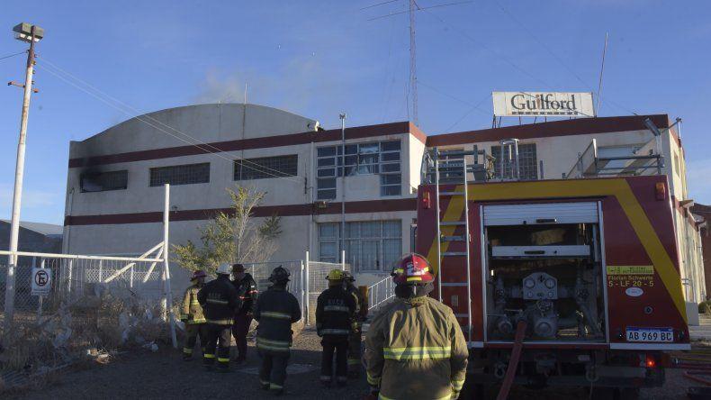 El incendio al que los bomberos tuvieron que acudir el miércoles en la abandonada fábrica.