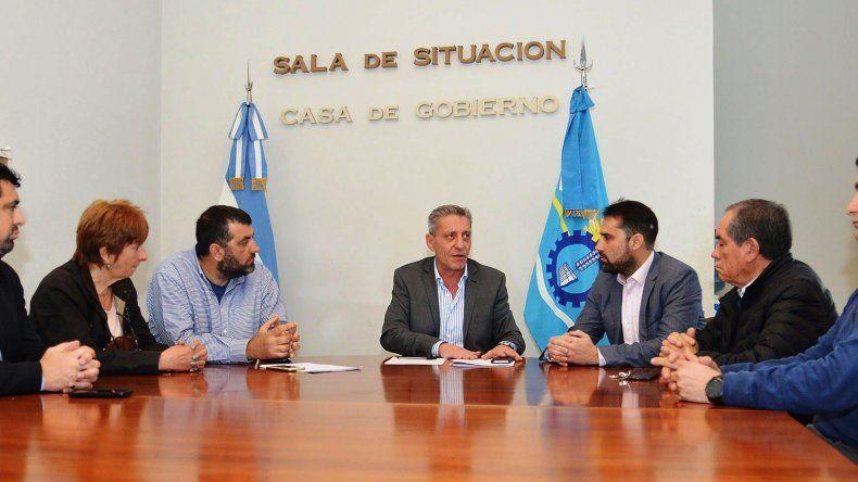 La reunión del gobernador con integrantes de la FECh.