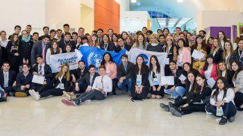 Comodoro Rivadavia y Chubut están representados por estudiantes del Colegio Deán Funes.