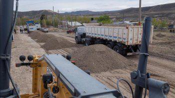 realizan tareas de mantenimiento vial en barrios de zona norte
