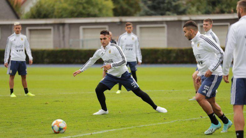 Lautaro Martínez y Angel Correa serán hoy titulares en la selección argentina para el amistoso ante Alemania.