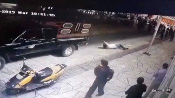 lo secuestran, atan a una camioneta y arrastran por no cumplir las promesas de campana