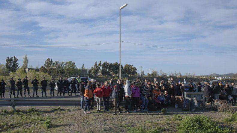 Ayer a la tarde quedaba un reducido grupo de docentes en la ruta