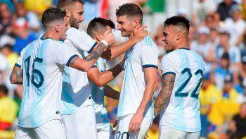 argentina goleo a ecuador y cerro una productiva fecha fifa