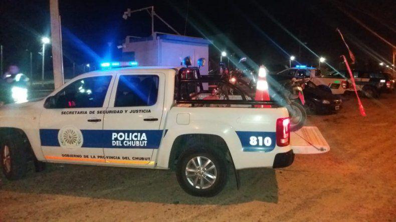 Detuvieron a un hombre que rompía vehiculos estacionados para robar