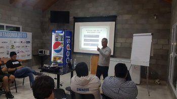 Ezequiel Guerreiro trabaja como oficial provincial de Desarrollo de la URA.