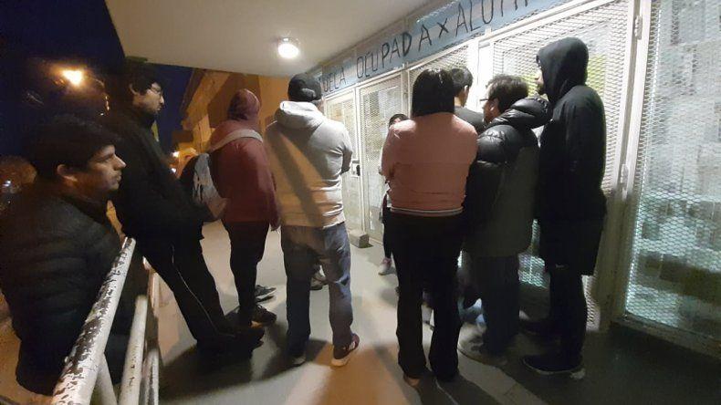 Se levantará la ocupación  de la Escuela 731