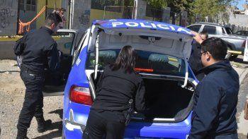 Personal de la Division Criminalística y de la Seccional Tercera tuvieron a su cargo el procedimiento en la Escuela N° 29.