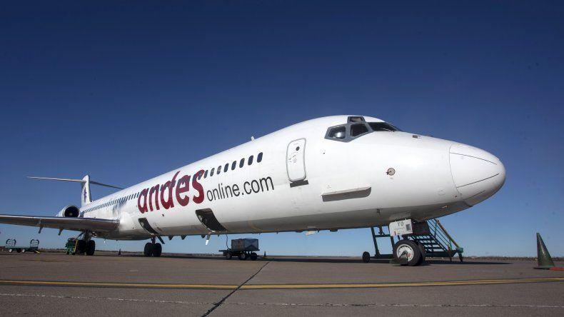 Andes Líneas Aéreas decidió suspender sus vuelos a Comodoro Rivadavia debido a sus dificultades económicas.
