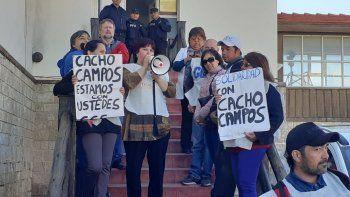 Estatales y organizaciones sociales se movilizaron en apoyo de Héctor Campos, titular del gremio de trabajadores viales de Chubut.