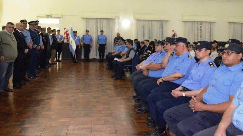 Oficiales y suboficiales que se desempeñan en Comodoro Rivadavia recibieron ayer la resolución de sus ascensos.