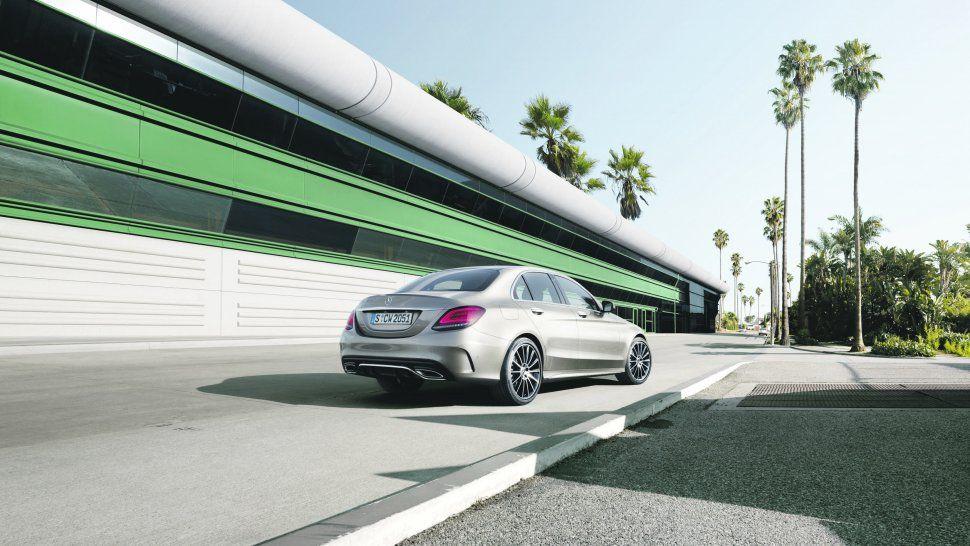 Mercedes-Benz clase C:  Rediseño de sedán alta gama