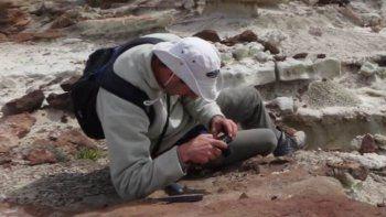 Nicolás Foix en una tarea geológica de campo que realizó hace pocos años para elaborar un informe para el CONICET.
