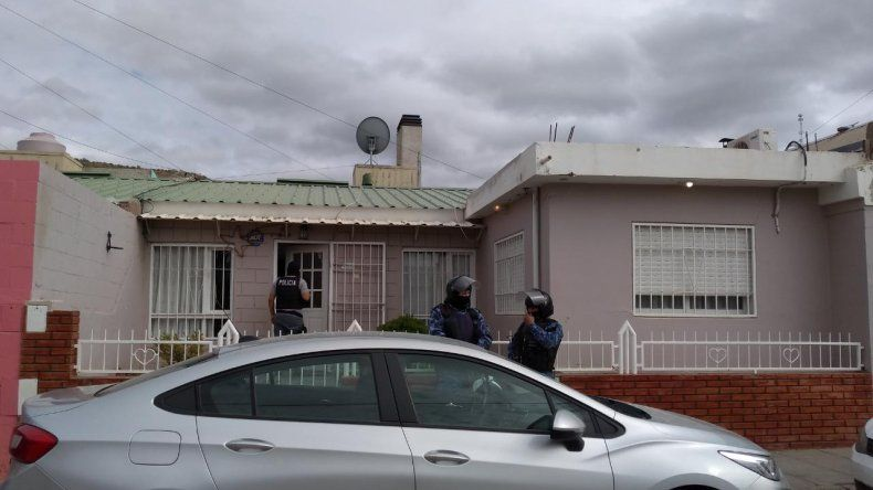 En un allanamiento por amenazas secuestraron un arma de fuego