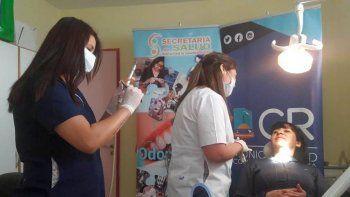 el municipio entrego mas de 530 protesis dentales