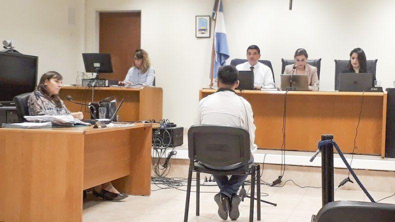 Hoy continúa el juicio contra la acusada de agredir a su expareja.