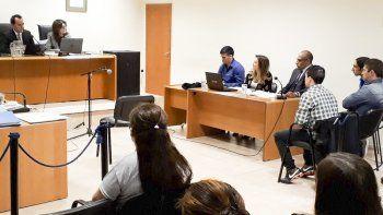 El tribunal al dar a conocer el fallo mediante el que le impuso a los condenados penas que van de 15 a 18 años.