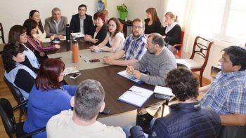 La reunión que los ministros Cassutti y Vega mantuvieron con los gremios docentes.