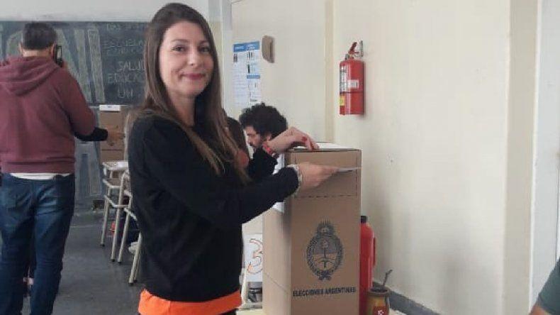Gloria Sáez votó y mencionó el conflicto docente