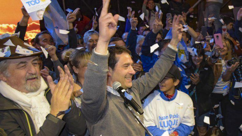 En su hora más gloriosa, Luque homenajeó a Néstor Kirchner