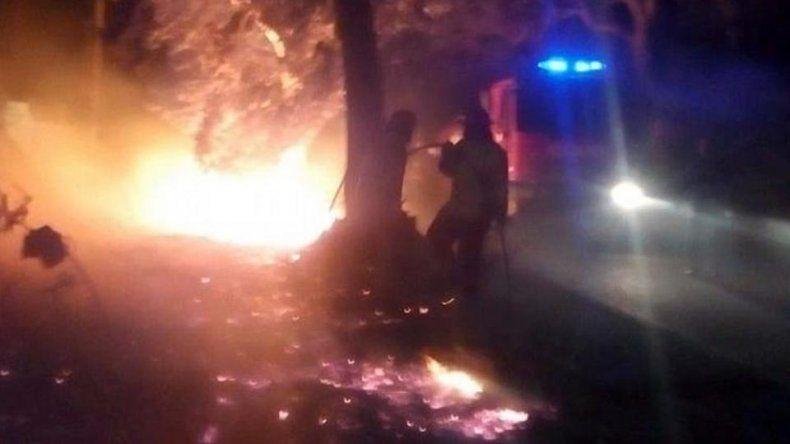 Prendieron fuego a un indigente y escaparon