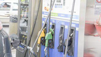El Gobierno suspendió el aumento en las naftas