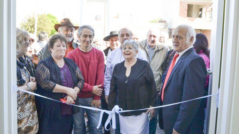 El tradicional corte de cintas contó con la presencia de autoridades municipales.