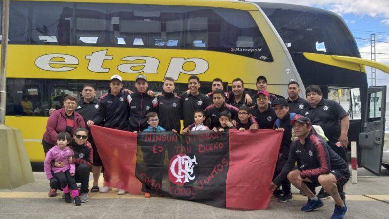 La delegación de Flamengo antes de partir hacia el torneo más importante de fútbol de salón a nivel nacional.