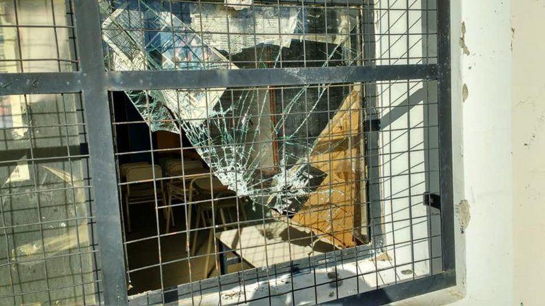 Más de veinte reclamos acumula la Escuela 738 por falencias estructurales